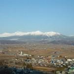 十勝岳連峰を望むラベンダー園